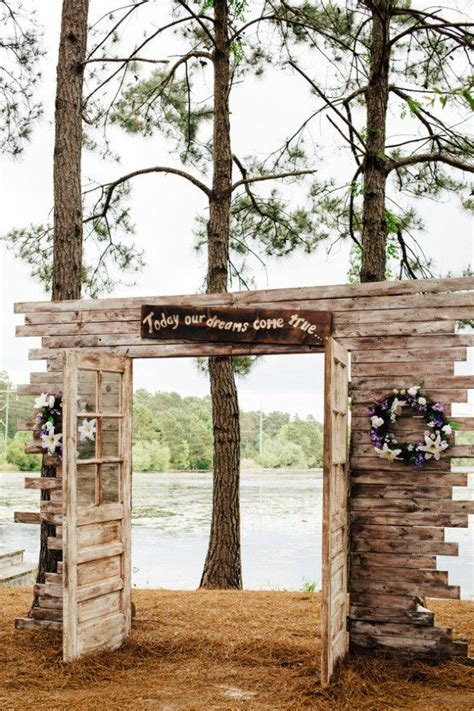 Wedding Arch Made From Doors by Best 25 Wedding Entrance Decoration Ideas On