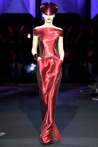 The Oscars Liveblog At Catwalk Shiny Shiny by Armani Prive Haute Couture 2011 Top Couture Review Such