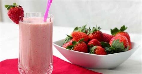 cara membuat jus strawberry yoghurt resep cara membuat jus strawberry segar
