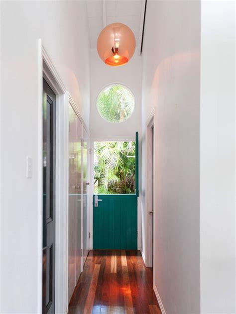 tips  visually widen  narrow hallway foyer decorating