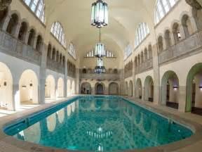 schwimmbad prenzlauer berg schwimmbecken im bald wiederer 246 ffneten stadtbad im