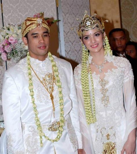 Butik Baju Muslim Terbaru 2018: Kebaya Pengantin Sunda Modern