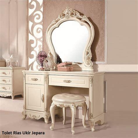 Tolet Meja Rias Jati Klasik Mode Meja Rias Meja Konsul Tolet tolet rias ukir jepara furniture jati tua
