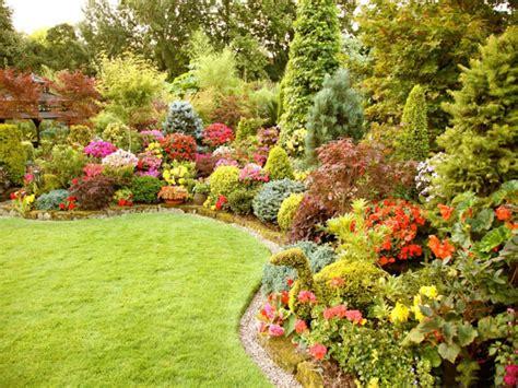 Beautiful Flower Garden And Lawn Ideas Flowers Wallpaper | beautiful flower garden and lawn ideas flowers wallpaper
