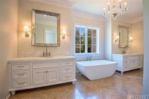 kylie jenners bathroom kylie jenner just bought another bachelorette pad glamour