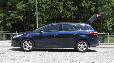 2011 ford focus review ford focus 1 6 tdci edge 2011 review by car magazine