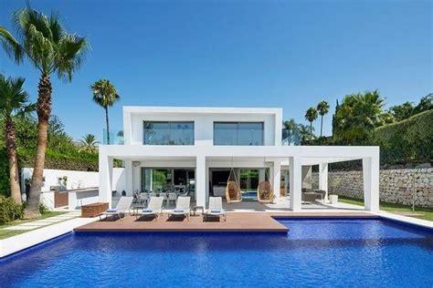 modern villas marbella villas for sale in marbella contemporary villa for sale in nueva andaluc 237 a marbella