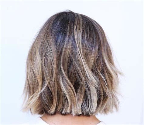frosted hair short hair bobs 45 sunny and sophisticated brown with blonde highlight looks
