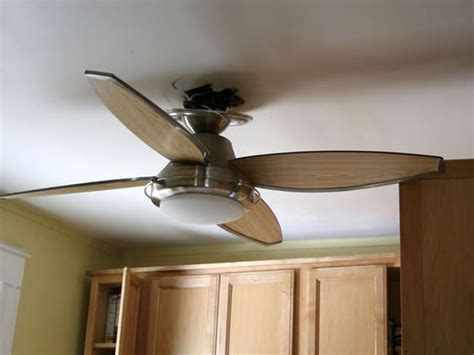Ceiling Fan For Kitchen Replace A Ceiling Fan In Kitchen Kitchen Ideas Design With Cabinets Islands Backsplashes