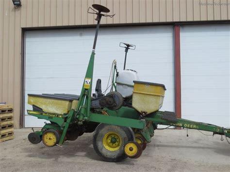7240 Deere Planter by 2000 Deere 7240 Planting Seeding Planters