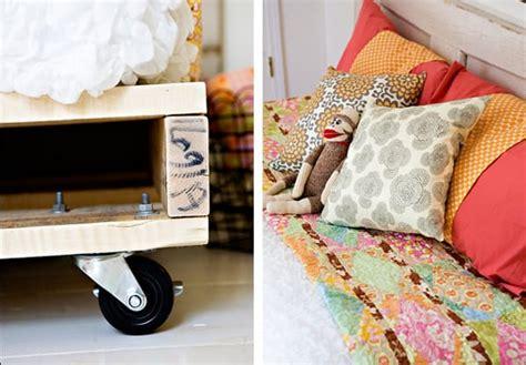 divanetto fai da te divanetto con bancali fai da te con il riciclo creativo