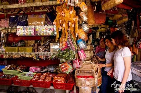 Handcraft Market - travelogue your guide to a glorious sabah whee kend