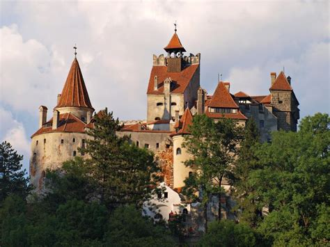 home to dracula s castle in transylvania bran castle home of the real dracula castles pinterest