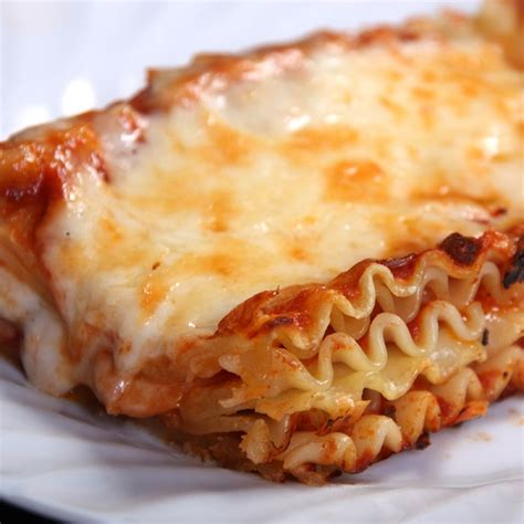 this no meat lasagna recipe is great for the vegetarian