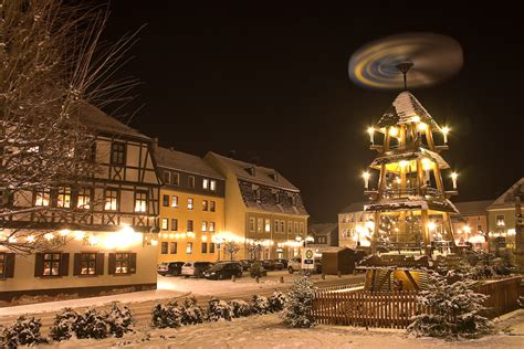 4 Enlightening Facts about German Christmas Candle Pyramids