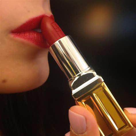 what color lipstick does elizabeth from blacklist wear 57 best pinittogiveit images on pinterest feel better