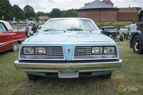 1982 Pontiac Sunbird by Pontiac Sunbird
