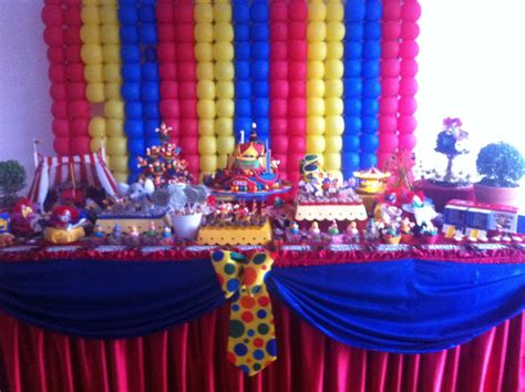 circus themed table decorations celebrate and decorate a circus