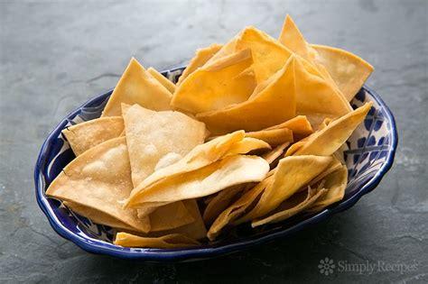 Corn Tortilla Tortilla Jagung how to make tortilla chips simplyrecipes