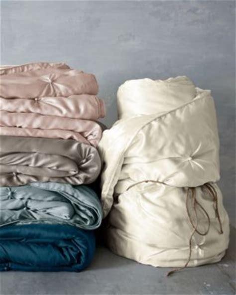 lightweight silk comforter 1000 ideas about luxury bedding on pinterest bed linens