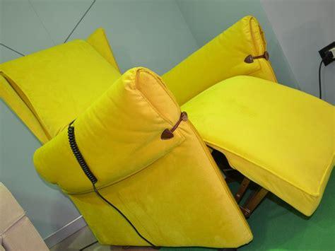divani con movimento relax divano in stile classico con movimento relax