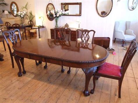 edwardian mahogany dining table in the chippendale style