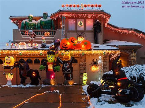 Halloween Front Yards - 2013 christmas blog