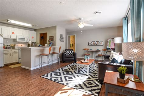 rooms to go knoxville tennessee of tennessee knoxville cus housing search park apartments 2br