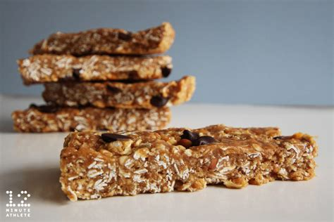 oatmeal peanut butter chocolate chip protein bars