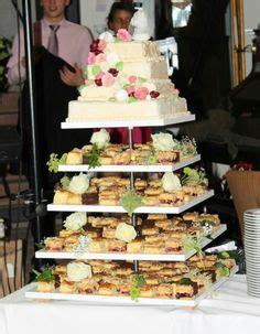 Hochzeitstorte 150 Personen by Wedding Gr 252 N Creme Wei 223 On Hochzeit