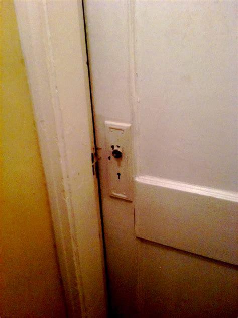 bedroom door won t open interior door interior door won t close