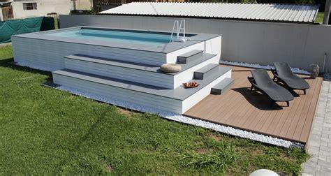 piscine fuori terra rivestite in legno foto piscina fuori terra rivestita in legno bianco di