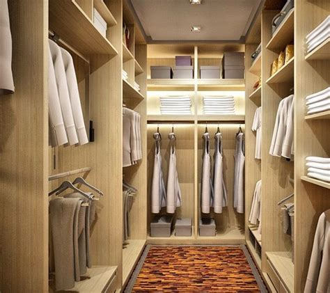 Walk In Wardrobe In Small Space by 34 Best Images About Small Walk In Closets On