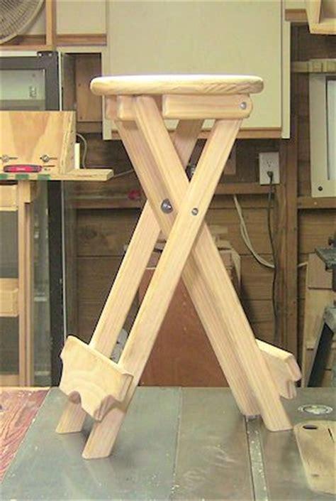 build  folding stool  woodjedintraining