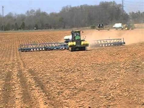 36 Row Planter by Kinze 3800 36 Row Planter