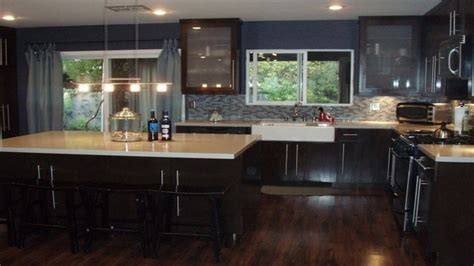 what color kitchen cabinets go with dark hardwood floors what color kitchen cabinets with dark wood floor custom