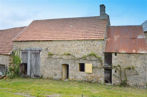 Grange à Vendre by Grange 224 Vendre En Limousin Creuse Domeyrot Grange
