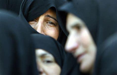 las viudas de los 6071104858 miseria y olvido para las viudas de la guerra de irak viaje a la guerra