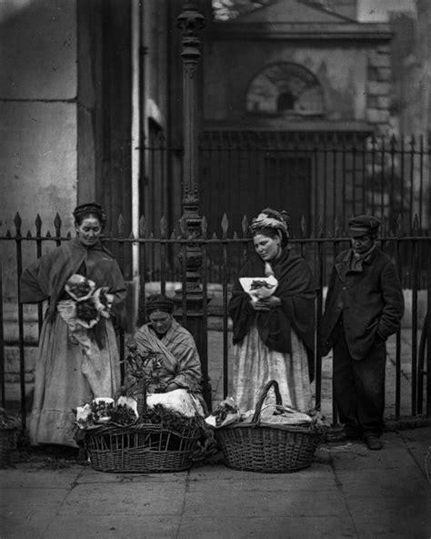 Entre os anos de 1873 e 1877, o fotógrafo escocês John