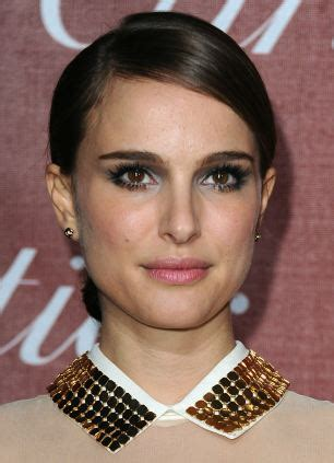 pics of woman with wide jaw bones women with feminine features such as full cheeks and small