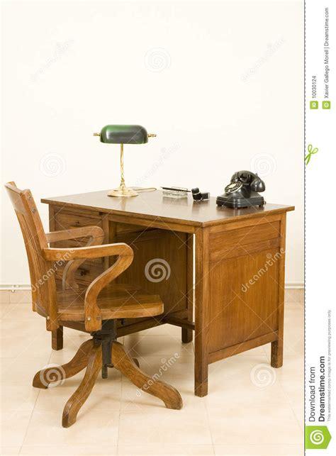 alter schreibtisch alter schreibtisch stockfoto bild stuhl chef le