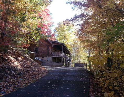 Your Cabin Gatlinburg by Cabins In Pigeon Forge Enjoy Fall In A Pigeon Forge Cabin