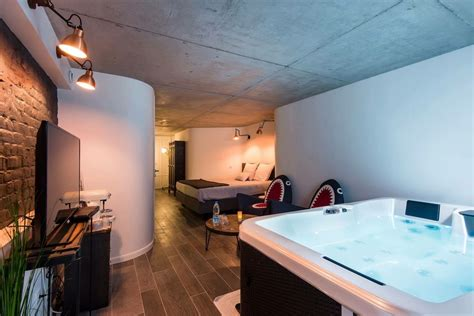 chambre avec spa le comptoir industriel bed and breakfast with spa