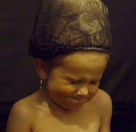 Scarlet Sprei Set gogglebox moffatt blinged up baby spray tans