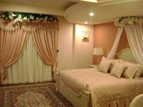 michelle clunie   decorate  bedroom  groom  bride  wedding