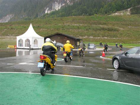 125ccm Motorrad Einfahren by Rundkurs Erstmals 100km H Am Tacho