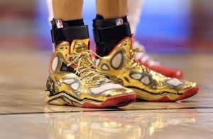 steph curry gold shoes stephen curry s shoe durant on when he met curry