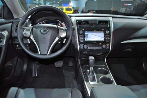 Image Gallery 2012 Altima Interior