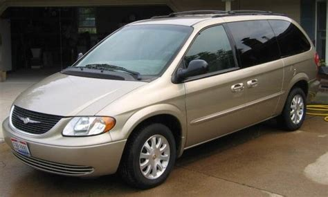 Chrysler Town And Country 2004 by 2004 Chrysler Town Country Overview Cargurus