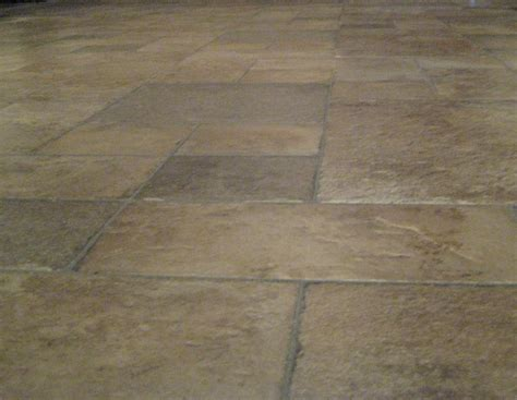 pebble pattern vinyl flooring vinyl flooring that looks like tile or stone gurus floor